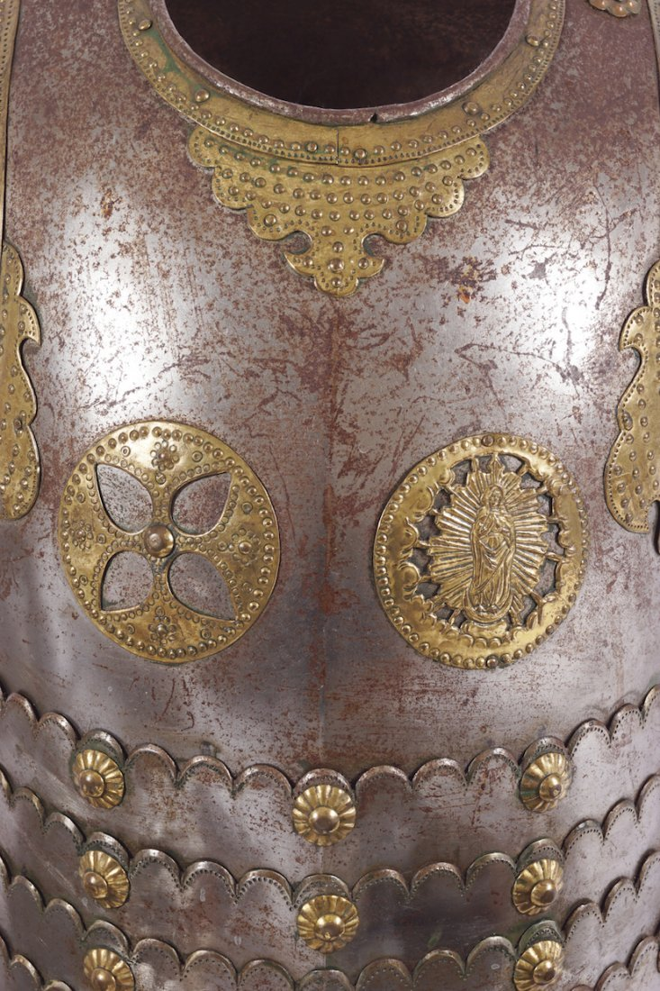 DECORATIVE NINETEENTH-CENTURY SUIT OF ARMOUR - 2