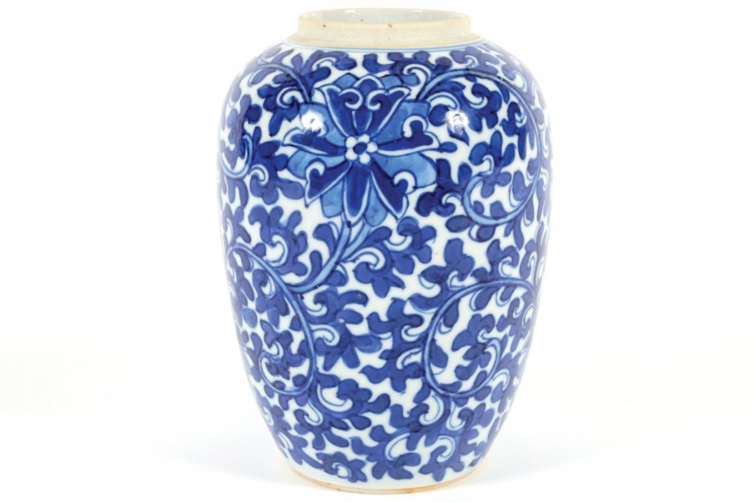 NINETEENTH-CENTURY CHINESE BLUE AND WHITE VASE