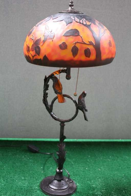 908: GALLE STYLE LAMP WITH LOVEBIRD BASE