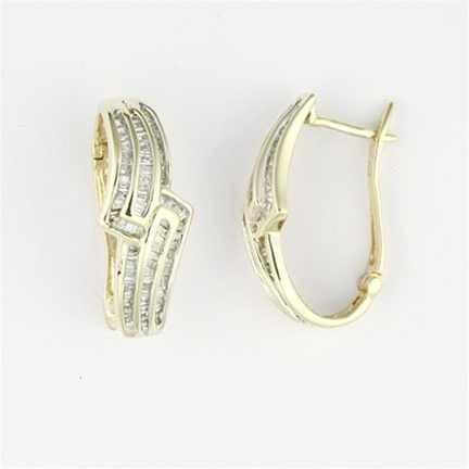 243: 1.00 CTW Diamond Earrings