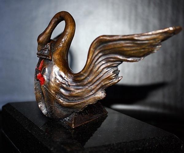 "17: DALI  ""WINGED SWAN FOR BACCHANALE BALLET"" BRONZE SC"