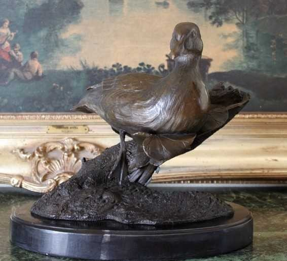 16: DUCK AND LILY PAD BRONZE SCULPTURE