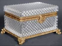 24: DIAMOND DESIGN CRYSTAL AND BRASS BOX WITH LID