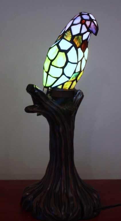5: PARROT LAMP