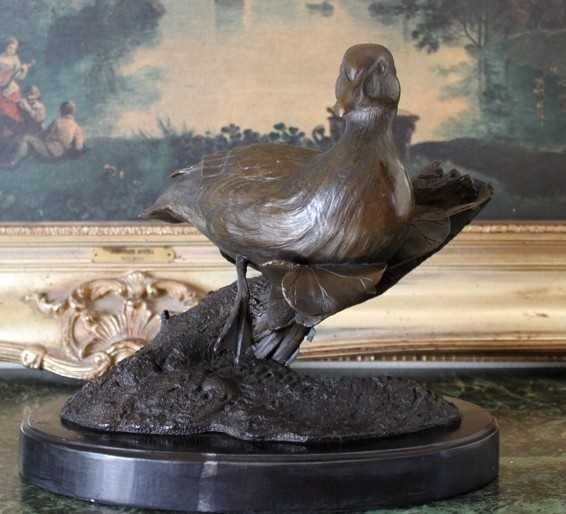 39: DUCK AND LILY PAD BRONZE SCULPTURE