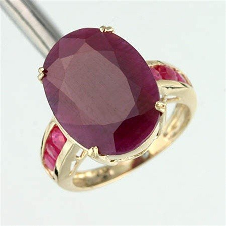 200026: 6.0 CT. RUBY RING - OVAL CUT - 10KY GOLD