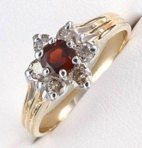 300009: 1 CTW. GARNET & DIAMOND 10K GOLD RING
