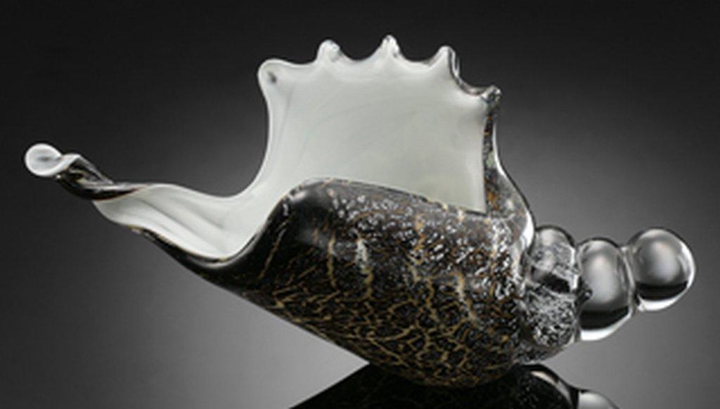 500019: ART GLASS CONCH SHELL