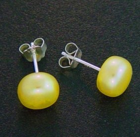 7 MM YELLOW PEARL STUD EARRINGS