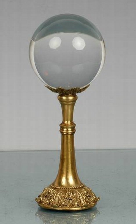800042: CRYSTAL BALL ON BRASS STAND