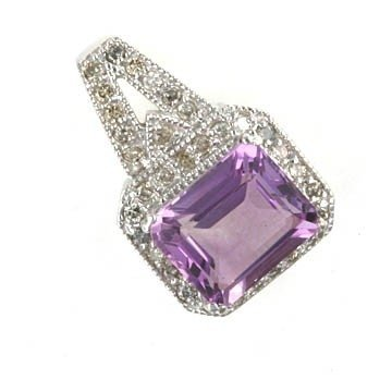700008: 5.0 CTW. AMETHYST & DIAMOND PENDANT IN 10KW GOL