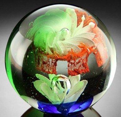 900039: ART GLASS SPHERE / PAPERWEIGHT