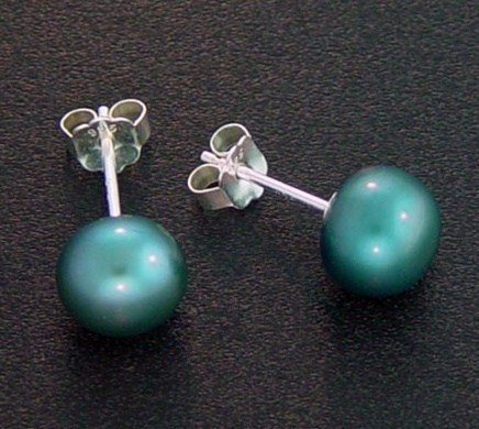 7 MM INDIGO BLUE PEARL STUD EARRINGS