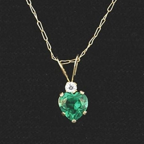 EMERALD HEART NECKLACE IN