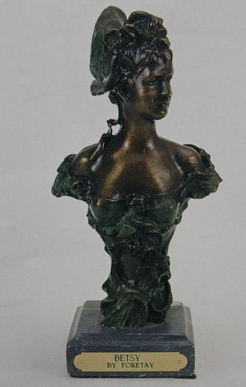 """""""BETSY"""" BRONZE SCULPTURE - FORETAY"""