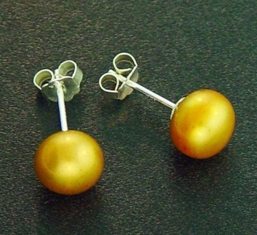 7 MM GOLD PEARL STUD EARRINGS