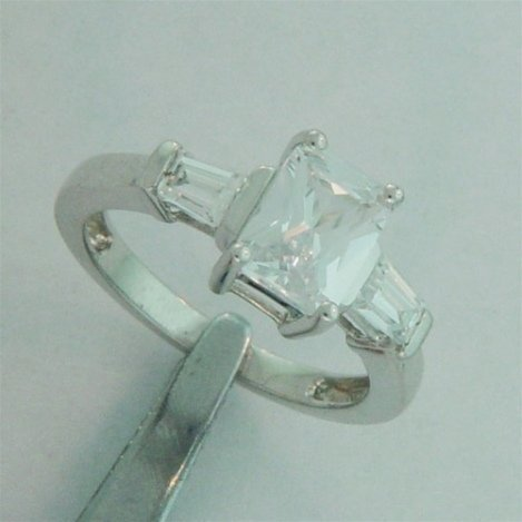 STERLING SILVER WHITE CZ RING
