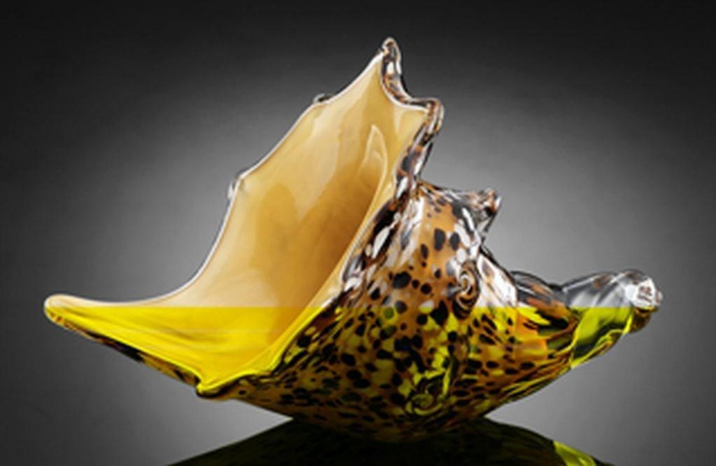 ART GLASS MUREX SHELL