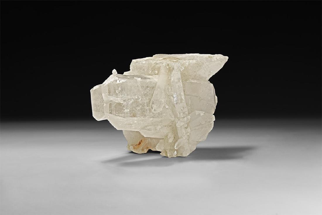 Display Quartz Mineral Specimen.