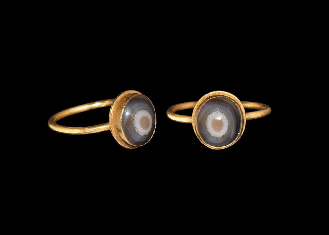 Roman Gold Ring with Agate Cabochon