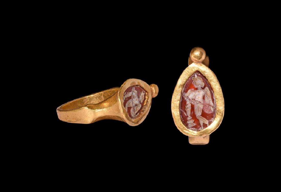 Sassanian Gold Ring with Intaglio