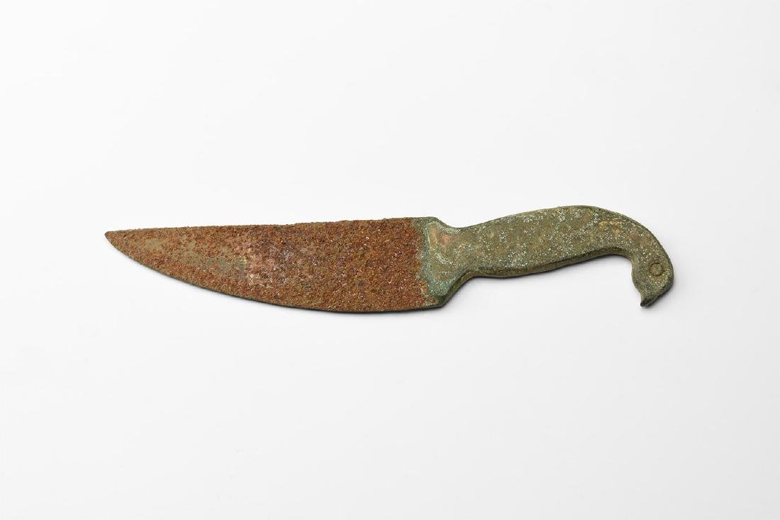 Roman Style Knife with Bird Handle.