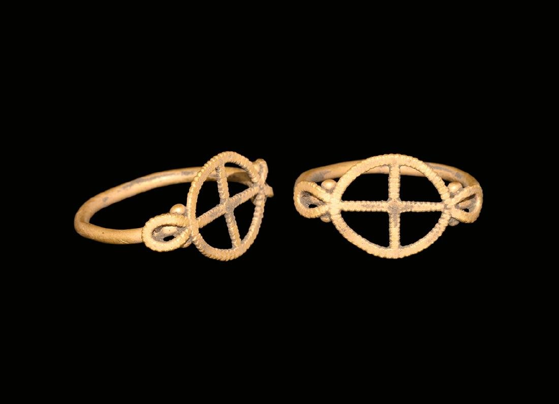 Roman Gold Ring with Cross