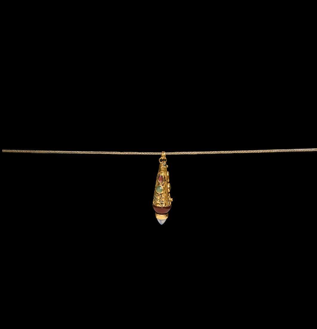 Roman Jewelled Pendant Necklace