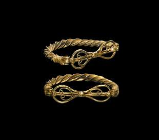 Roman Gold Hinged Bracelet with Closure