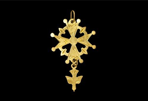 Post Medieval Gold Expanding Arm Cross Pendant with Dov