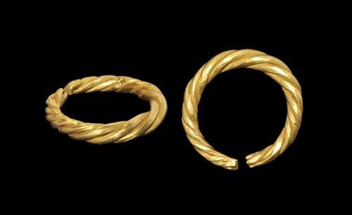 Viking Gold Twisted Finger Ring