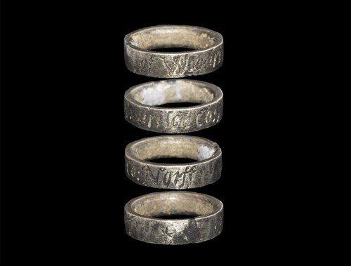 Medieval Silver 'de Rising Family' Hawking Ring