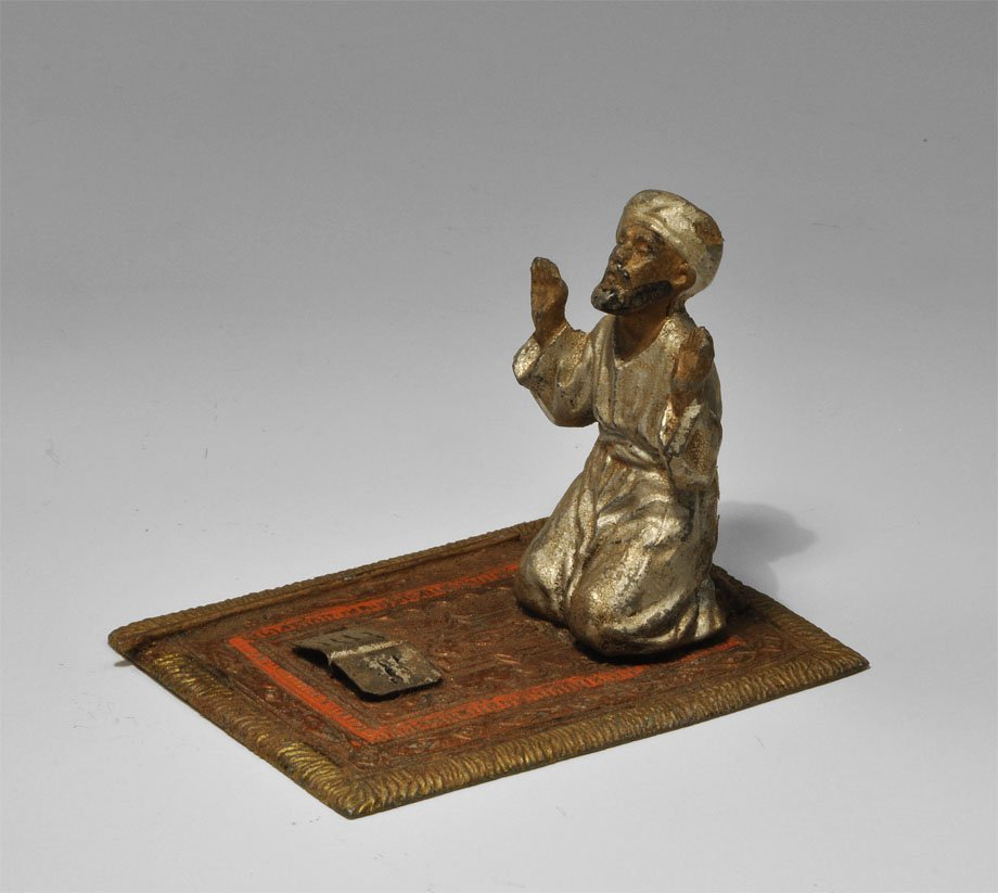 Spelter Praying Figure Diorama