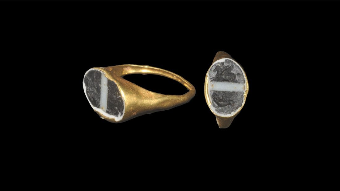 Roman Gold and Banded Glass Intaglio Ring