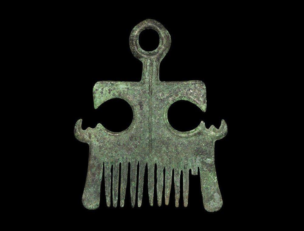 Chinese Bronze Comb
