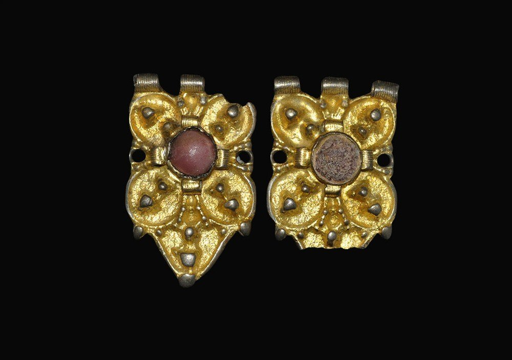 Medieval Silver Gilt Jewelled Buckle Fitting Group