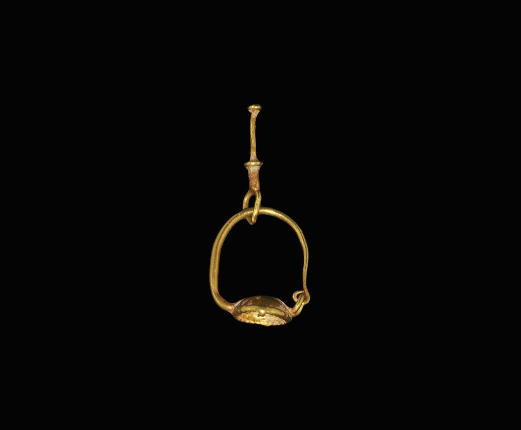 Roman Gold Drop Earring