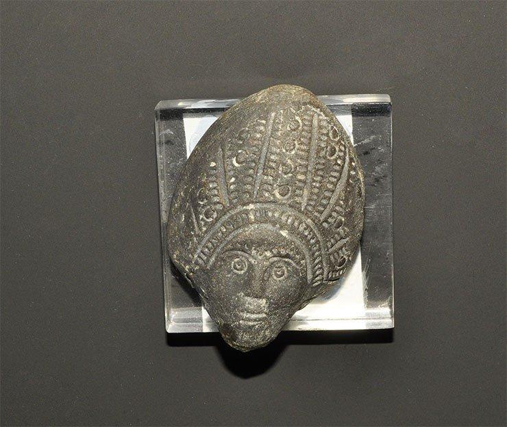 Roman Ceramic Greyware Figurine Head