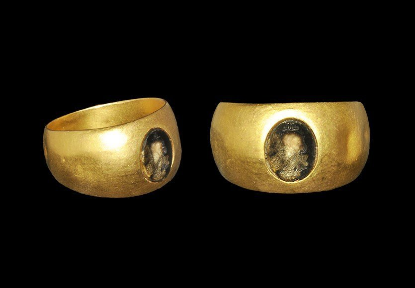 Egyptian Gold Ring and Intaglio Portrait with Headdress