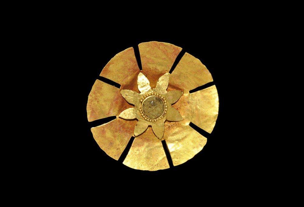 Phoenicio-Egyptian Gold Solar Rosette