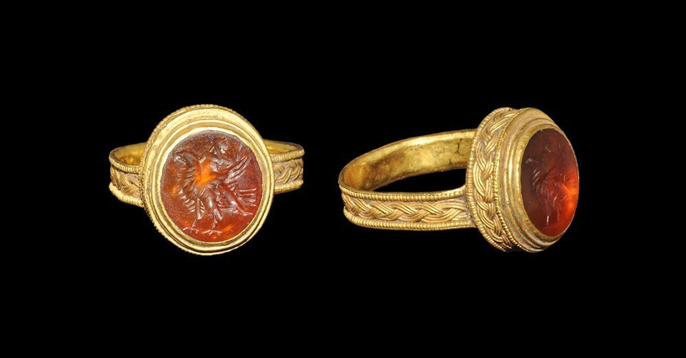 Roman Gold Finger Ring with Eagle Intaglio