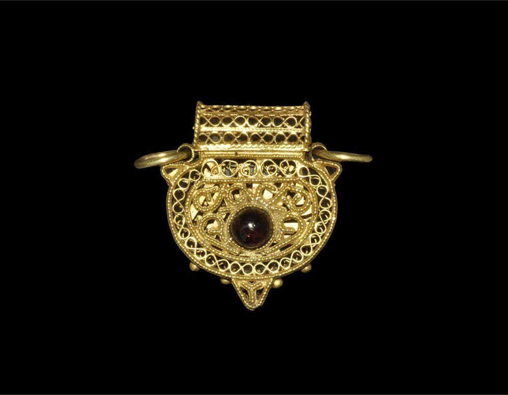 Islamic Gold Filigree Pendant