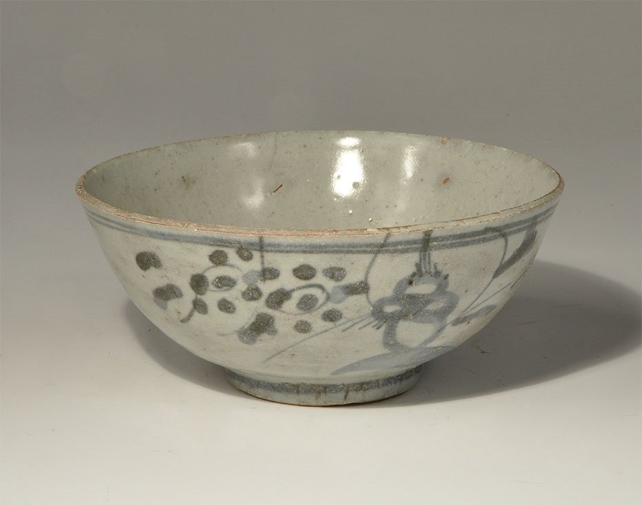 Chinese Ming Painted Glazed Ceramic Bowl