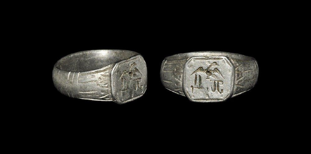 Post Medieval Silver Intaglio Ring with Swan