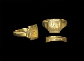 Post Medieval Gold Signet Ring With Initials