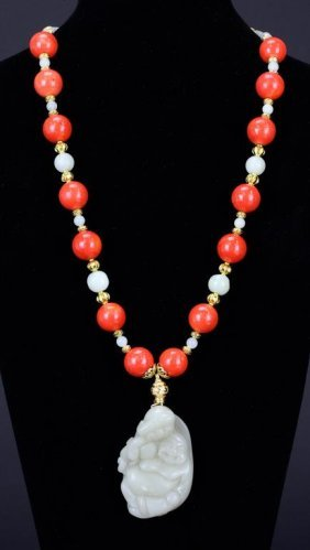 NECKLACE WITH WHITE JADE PENDANT