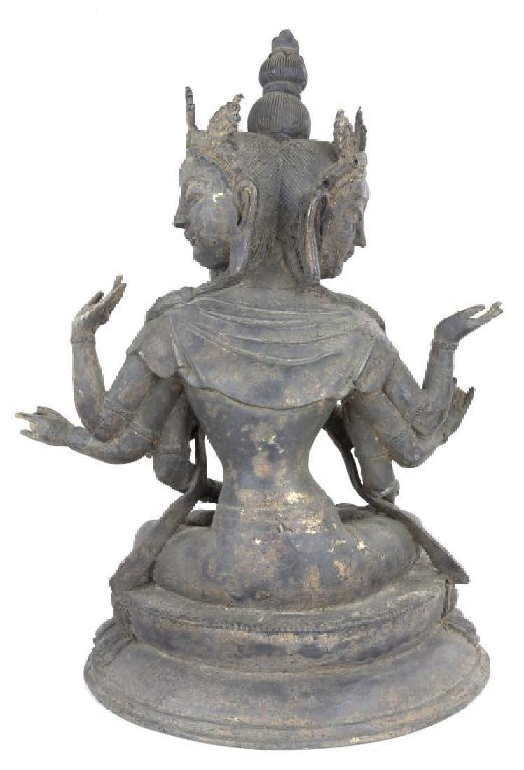 17/18TH CENTURY TIBETAN BRONZE THREE-FACED BUDDHA - 4