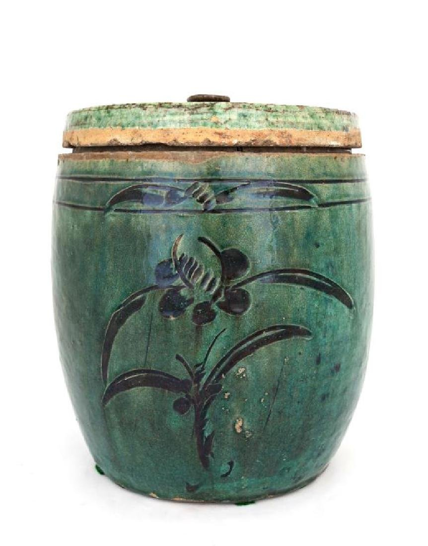 CHINESE ANTIQUE LIDDED CERAMIC JAR - 2