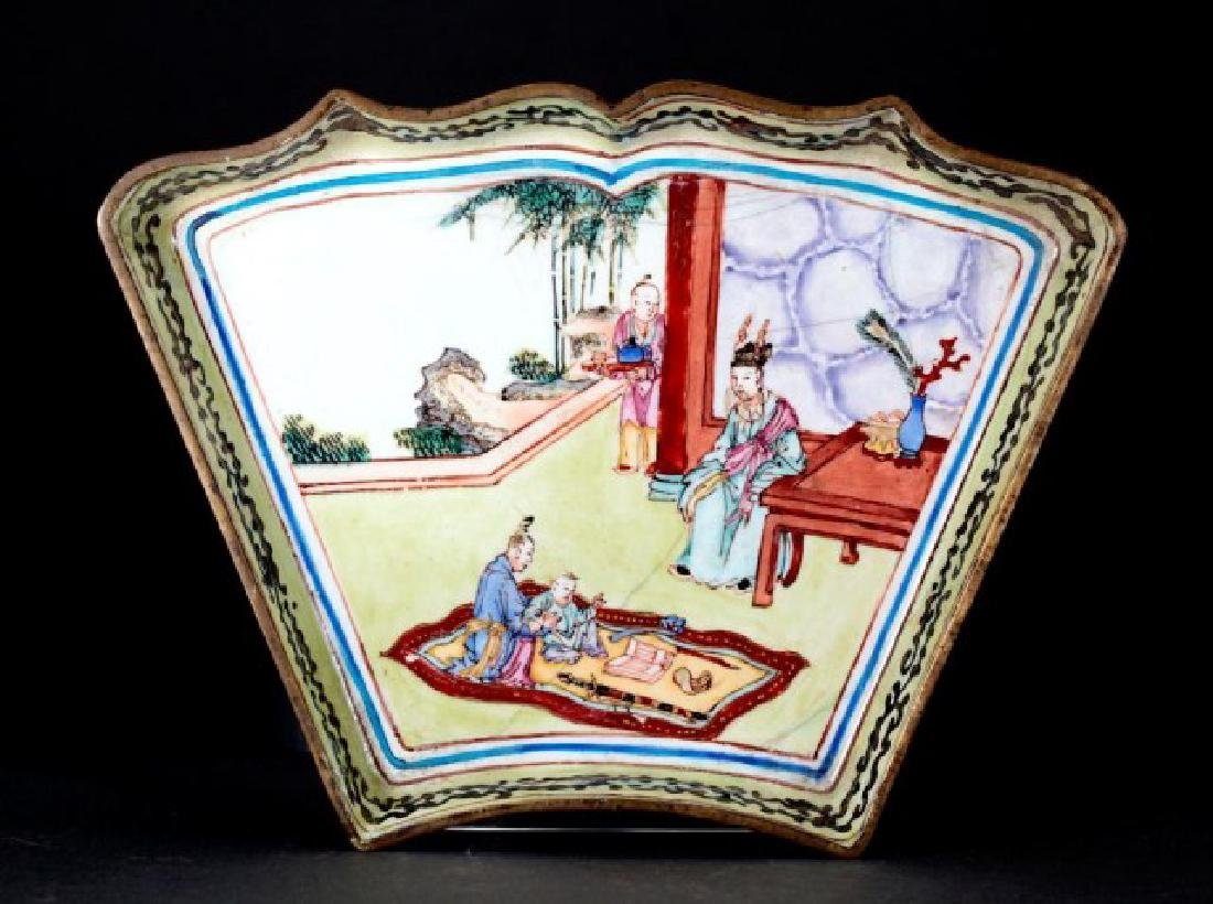 ANTIQUE CHINESE HAND PAINTED ENAMEL DISH