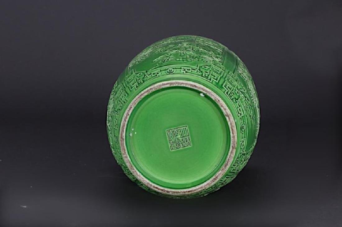CHINESE GREEN GLAZED ROULEAU VASE - 3